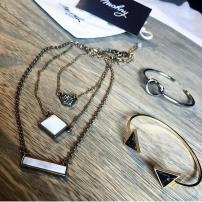https://www.instagram.com/p/BNEX5M5jDyc/?taken-by=mavieaixoise_