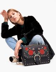 https://www.stradivarius.com/fr/femme/accessoires/nouveau/sac-fleurs-nouvelle-broderie-c1390563p300518515.html?colorId=001