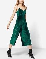 https://www.stradivarius.com/fr/femme/v%C3%AAtements/tendances/party-collection/combinaison-jupe-culotte-velours-c1706018p300462507.html?colorId=520