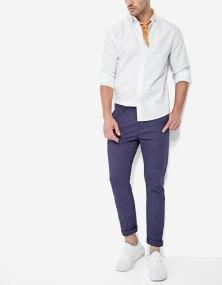 https://www.stradivarius.com/fr/homme/v%C3%AAtements/pantalons/chino-basique-c1020081600p300377510.html?colorId=011