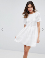 http://www.asos.fr/asos/asos-robe-babydoll-courte-avec-broderie/prd/7998426?clr=ivoire&SearchQuery=&cid=8799&gridcolumn=1&gridrow=2&gridsize=4&pge=5&pgesize=72&totalstyles=427#