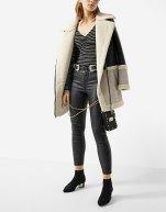 https://www.stradivarius.com/fr/femme/soldes/v%C3%AAtements/pantalons/pantalon-coating-total-lace-up-c1390549p300385503.html?colorId=001&style=15