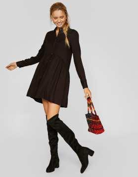https://www.stradivarius.com/fr/femme/vêtements/voir-par-produit/robes/afficher-tout/robe-chemise-unie-c1020035501p300905549.html?colorId=001