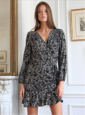 https://www.lennyb.fr/fr/robes/570-4275-robe-jordana-.html#/417-couleur-jordana_noir/22-taille-1