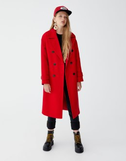 https://www.pullandbear.com/fr/femme/vêtements/manteaux-et-blousons/manteau-extralong-double-boutonnage-c1030009518p500925867.html