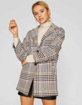 https://www.stradivarius.com/fr/femme/vêtements/voir-par-produit/manteaux/afficher-tout/manteau-à-carreaux-manches-tombantes-c1020170027p300877613.html?colorId=004