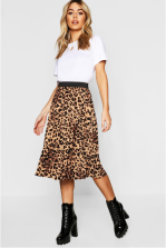 https://fr.boohoo.com/jupe-midi-plissee-imprime-leopard-petite/PZZ76492.html