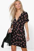 https://fr.boohoo.com/robe-cache-cœur-a-fleurs-nouee-taille/DZZ84978.html?color=144